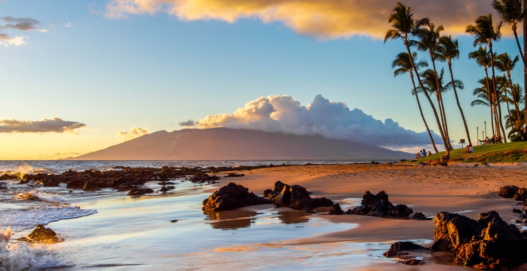 Nonstop roundtrip flights from Calgary to Maui going for under $400