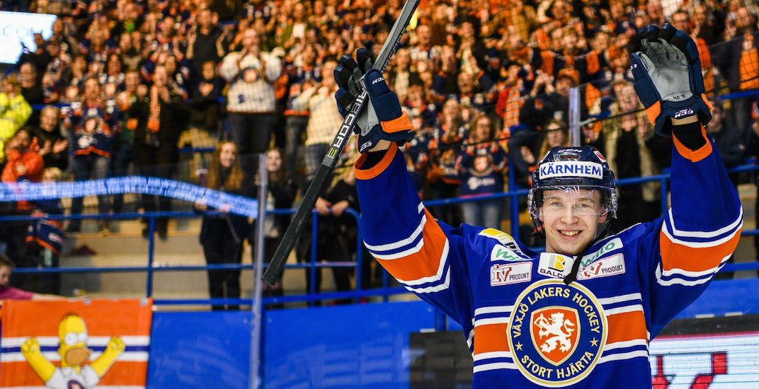 Canucks' Elias Pettersson is still winning awards in Sweden