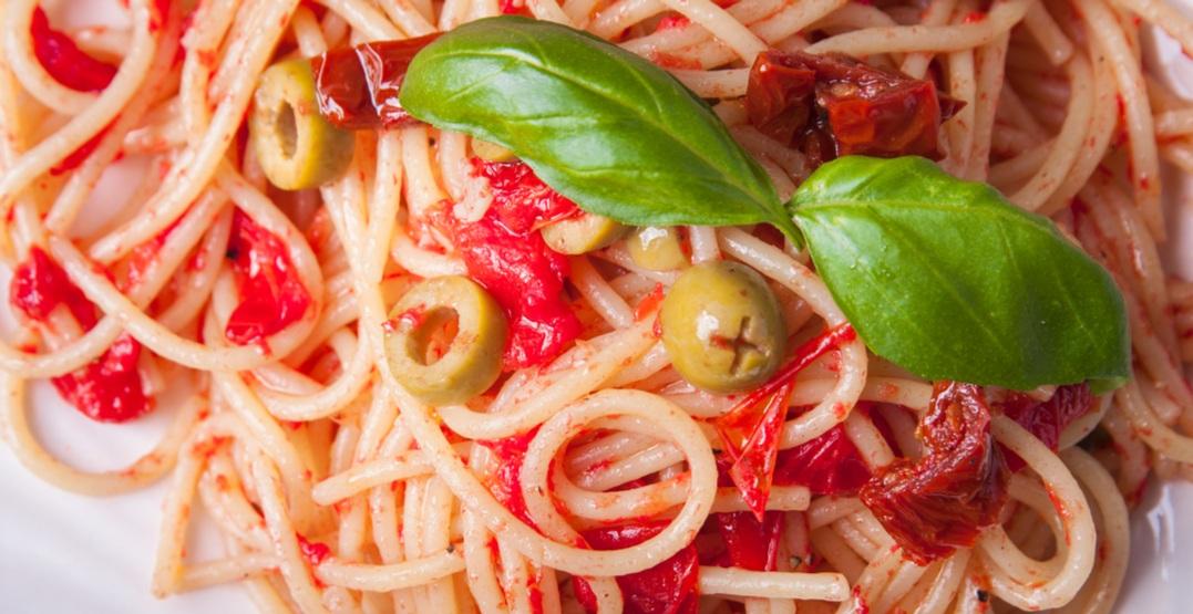 Spaghetti pixeljoyshutterstock