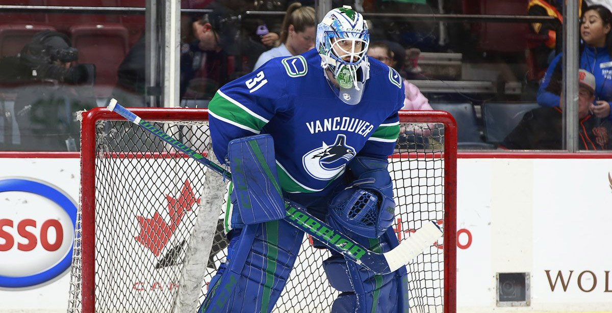 Canucks trade Nilsson and Archibald to Senators for McKenna, Pyatt, draft pick