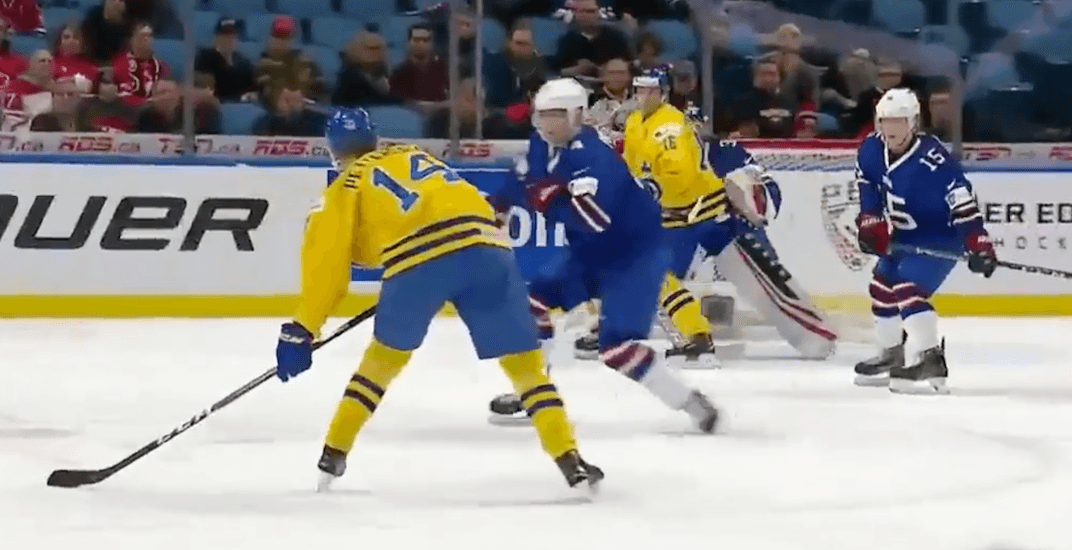 Canucks' Pettersson scores with wicked wrist shot at World Juniors (VIDEO)