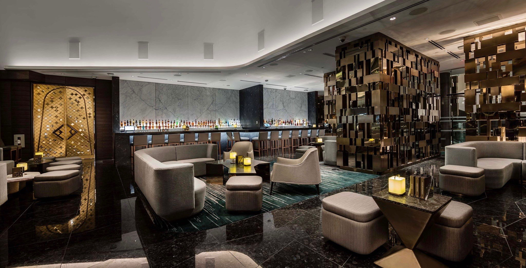'Total sh*thole': Vancouver's Trump Tower Champagne Bar is getting ruined online