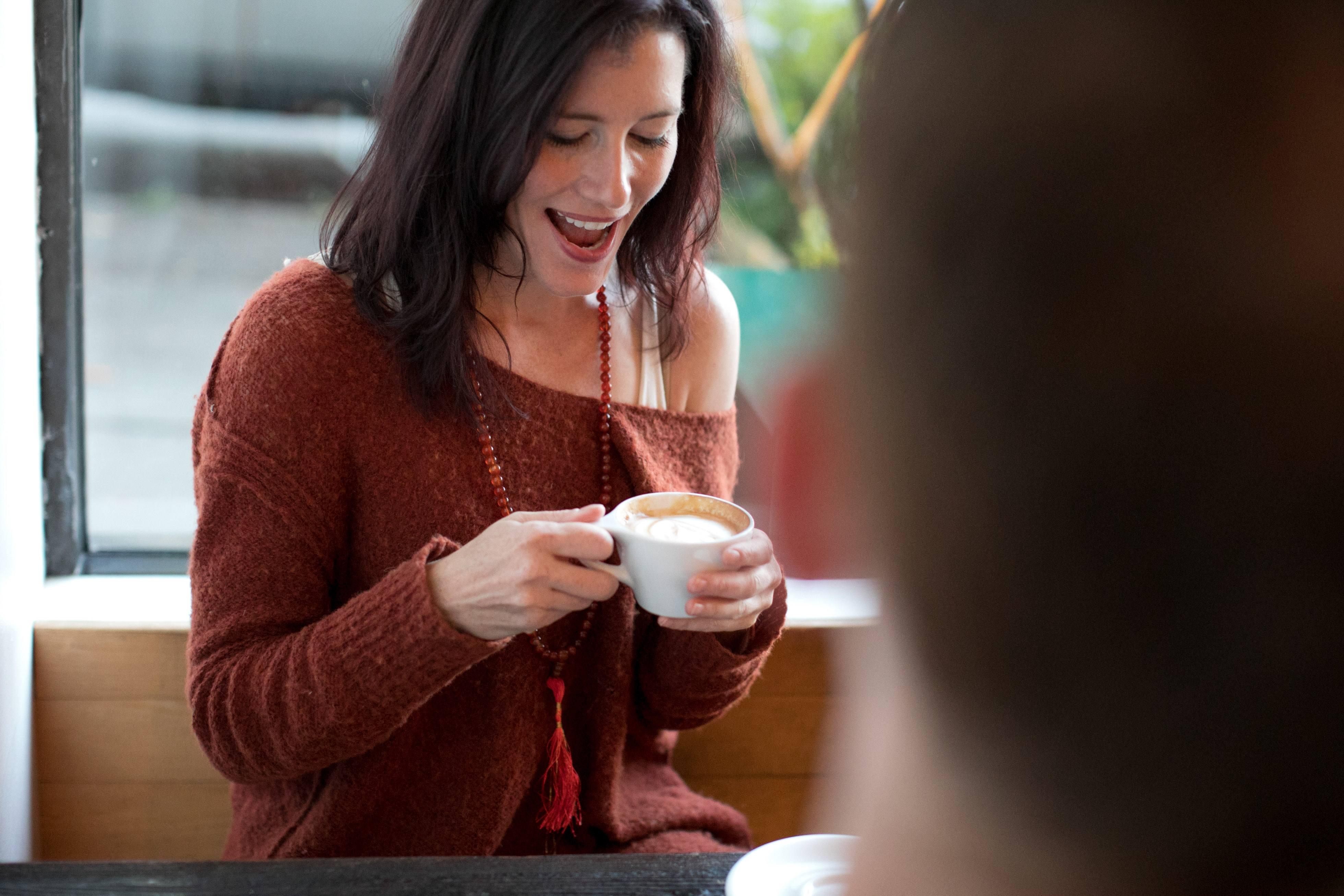 Coffee time with friends / Rachel Scott
