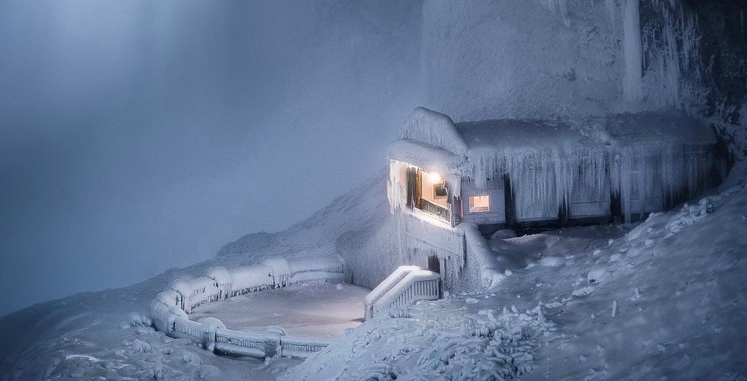 This might be the most picturesque building in Canada right now (PHOTOS)