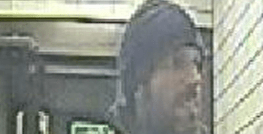 Police looking for man who assaulted and robbed a woman near Kensington Market (PHOTOS)