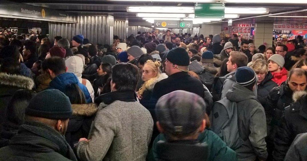 The TTC was crowded AF this morning (PHOTOS)