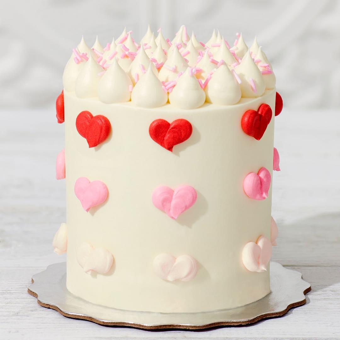 Le Dolci valentine's day cake