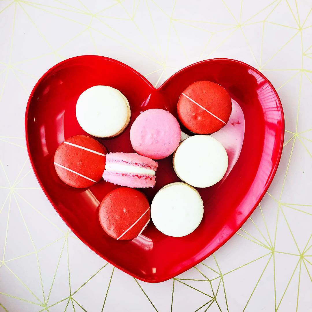 AG Macarons valentine's day