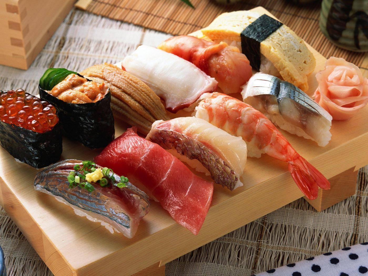 Hana Sushi monorail sushi