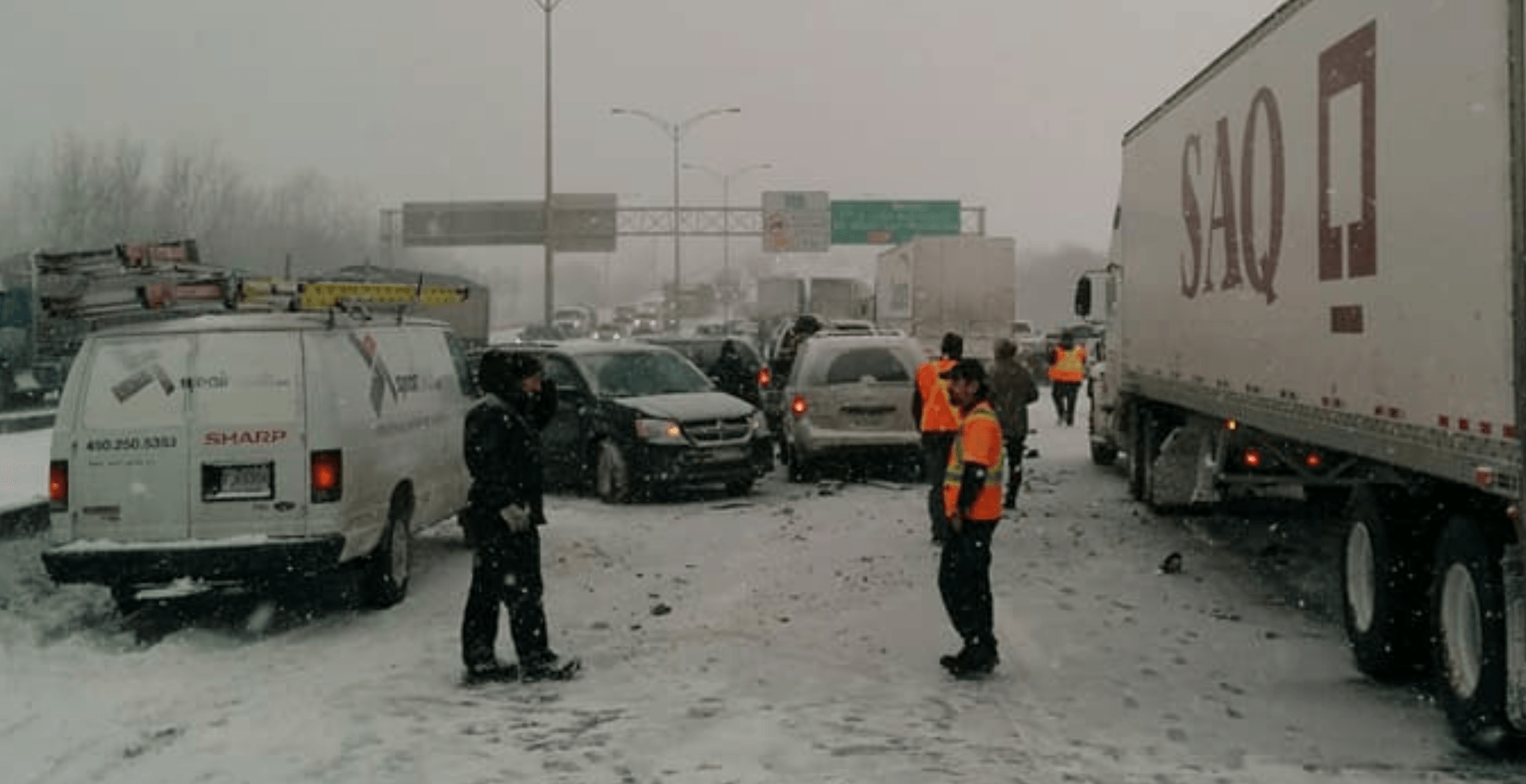 Multi-car pileup halts traffic on Highway 20 near Mont-Saint-Hilaire