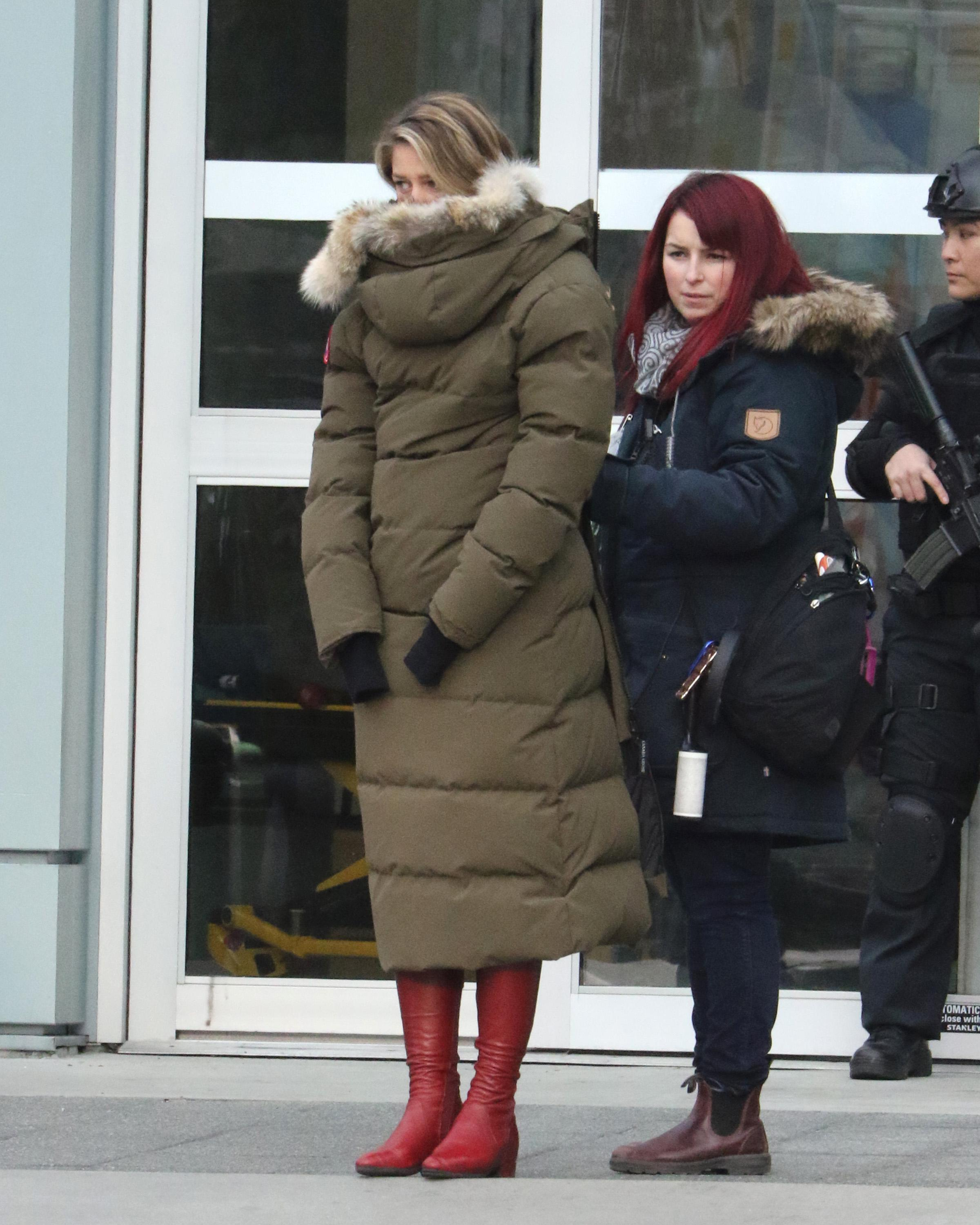 Melissa Benoist Films 'Supergirl' In Vancouver (PHOTOS