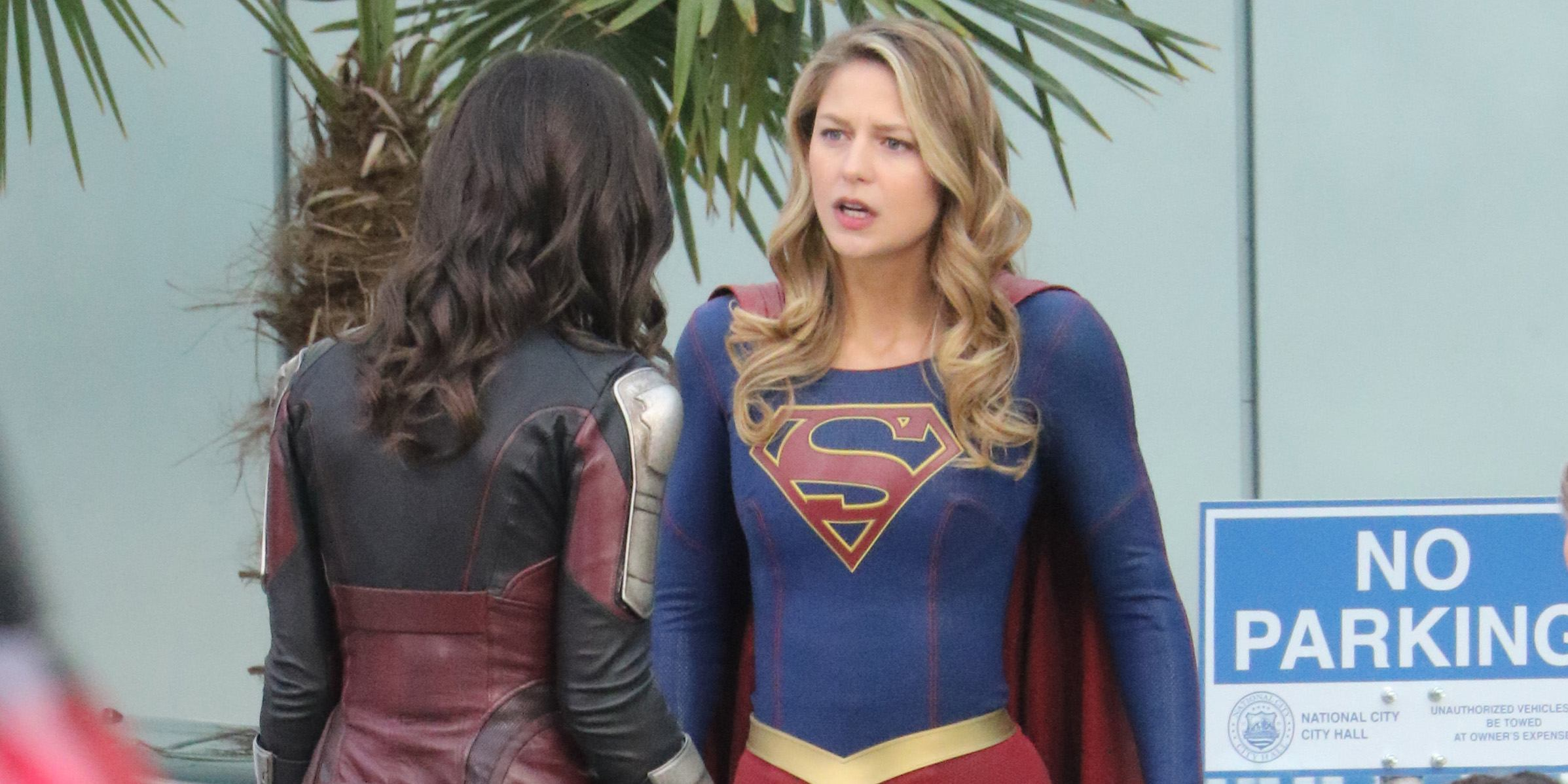 Melissa Benoist films 'Supergirl' in Vancouver (PHOTOS)