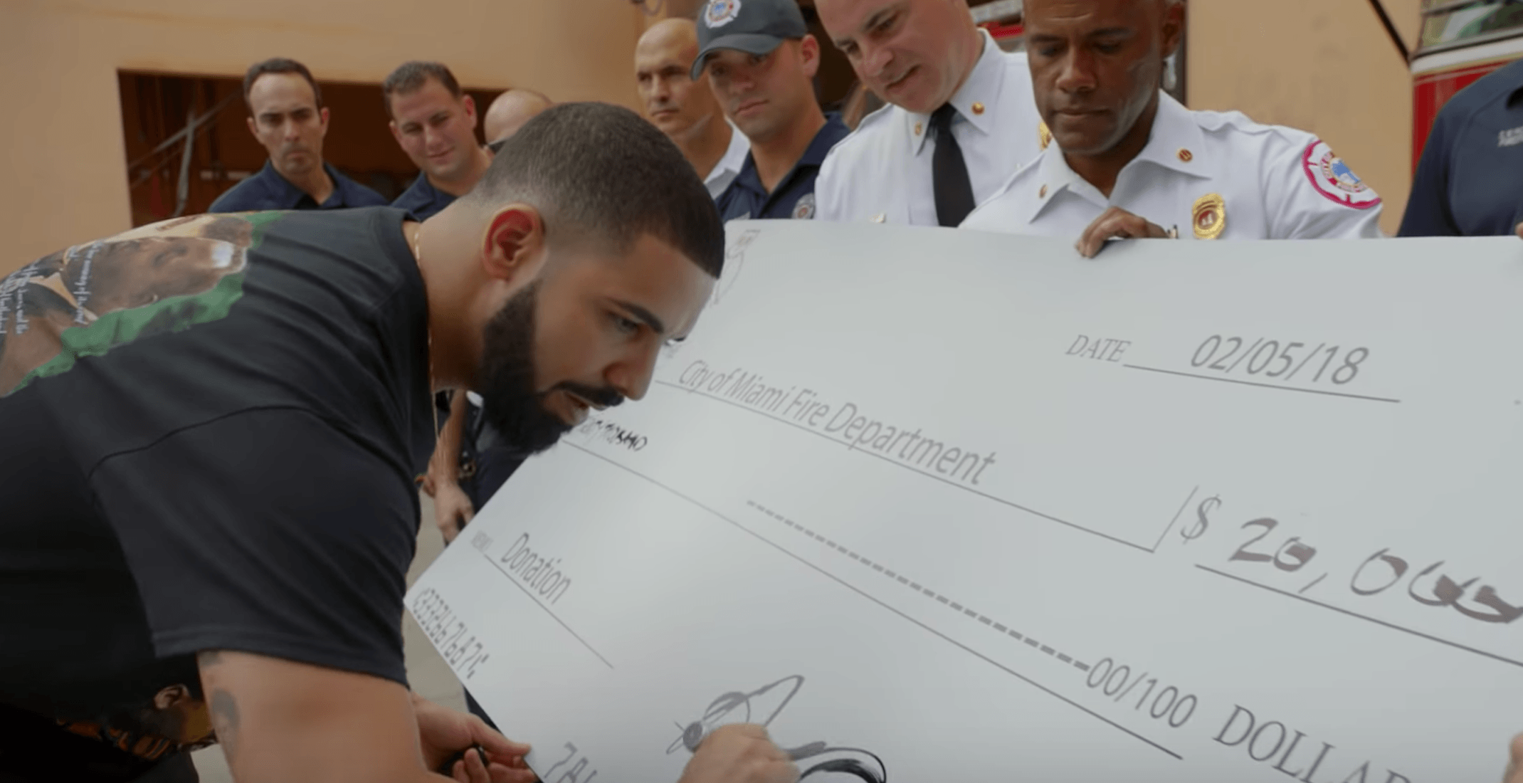 Drake gives away nearly $1 million to strangers in latest music video