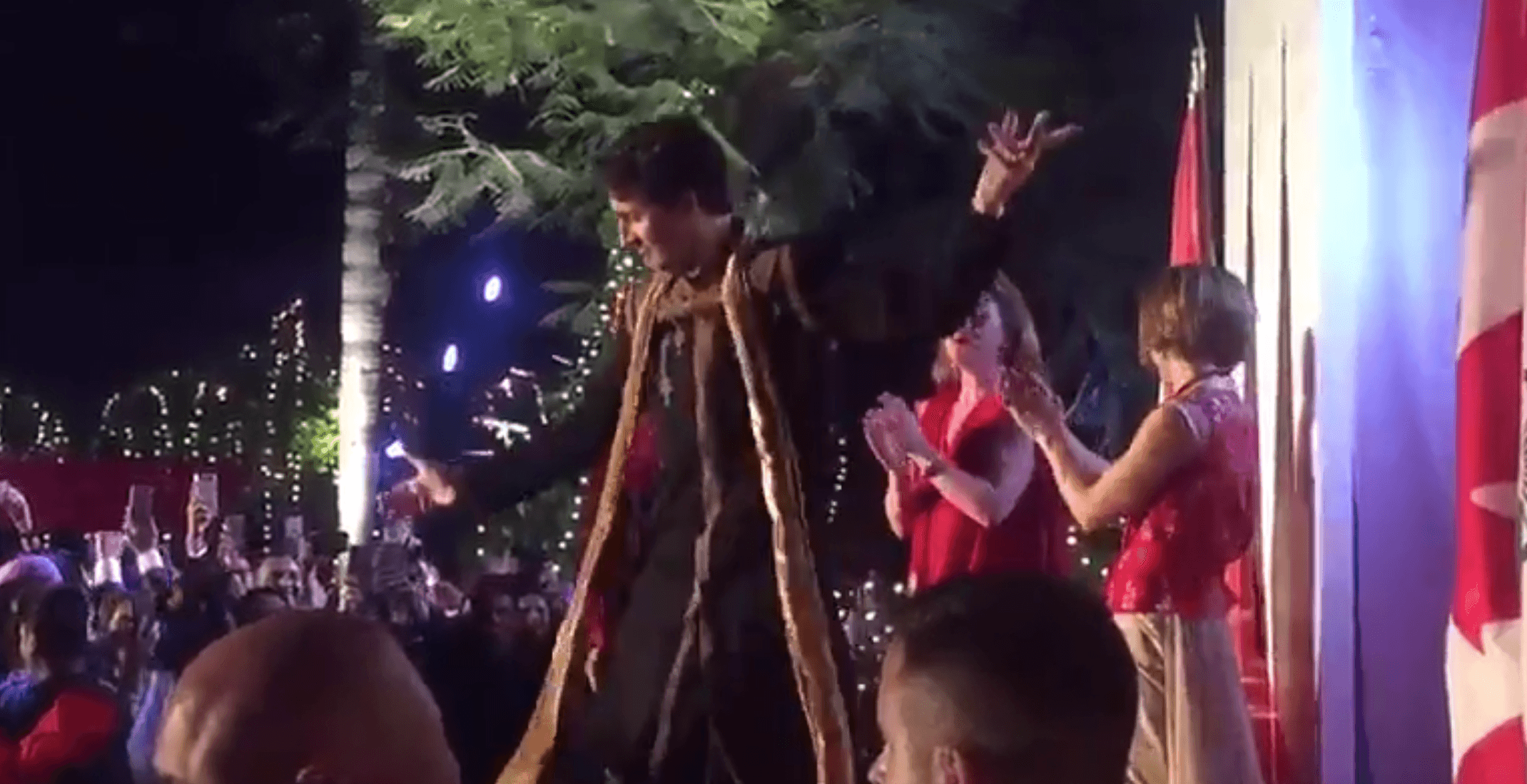 Justin Trudeau tries to impress in India by dancing Bhangra (VIDEO)