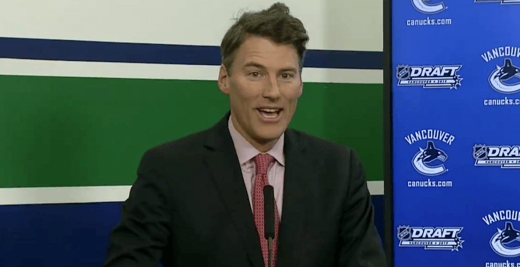 Canucks fans can't stop making fun of mayor Gregor's Robertson's hair