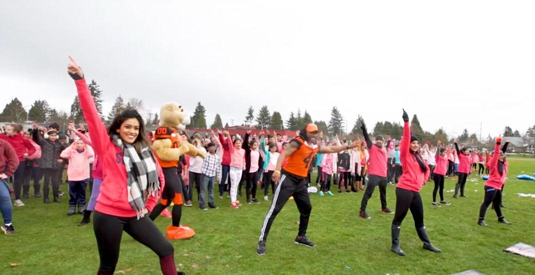 1,200+ students in Metro Vancouver perform anti-bullying Bollywood flash mob (VIDEO)