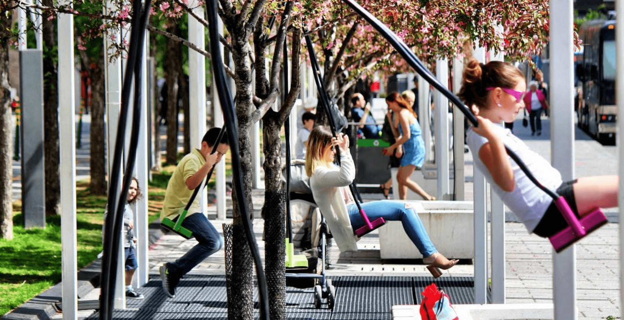 21 Swings are returning to Place des Arts this April