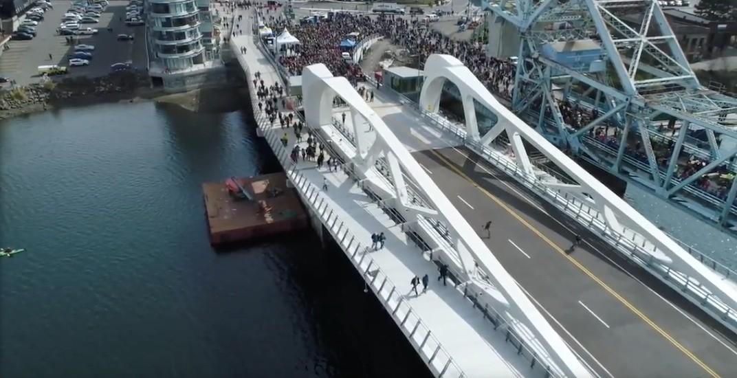 Victoria johnson street bridge f