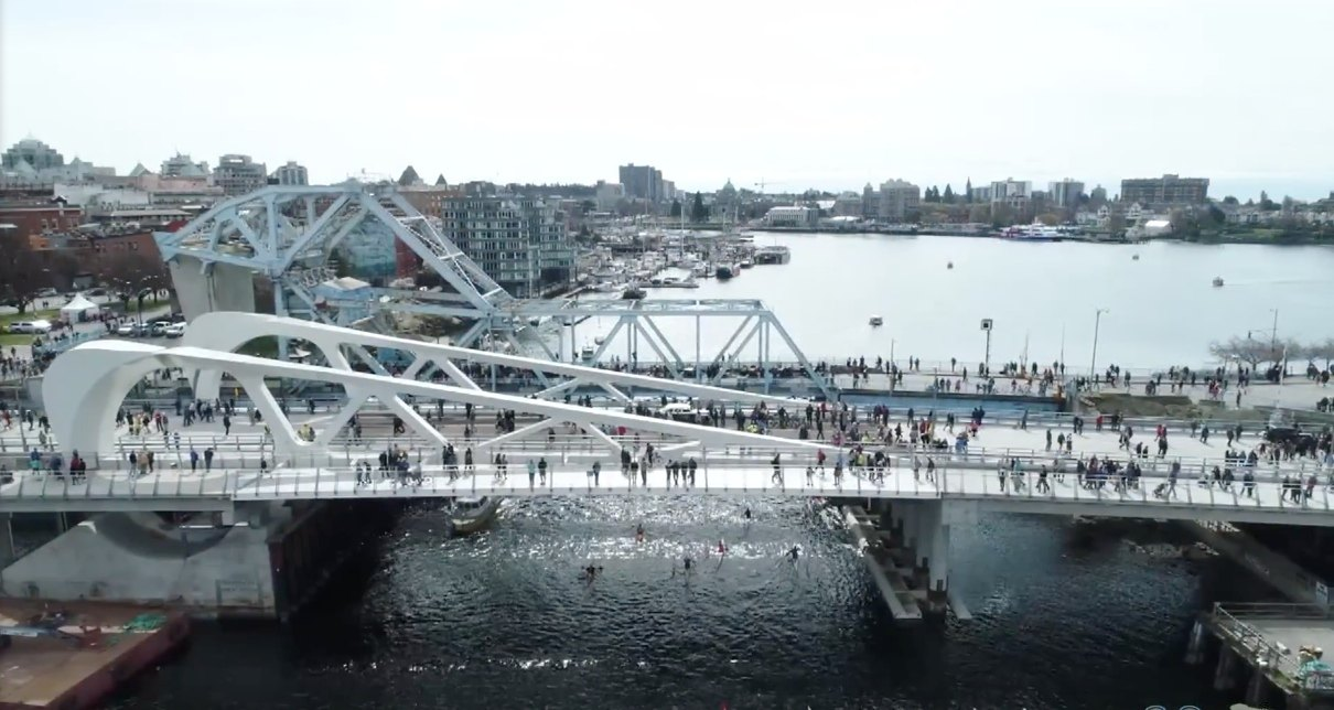 New landmark lift bridge in Victoria Inner Harbour opens ...