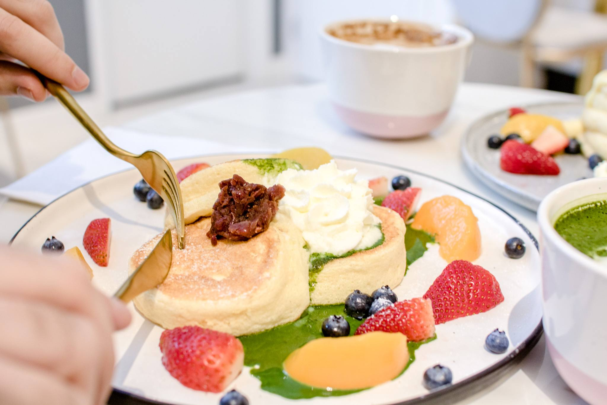 hanabusa cafe japanese souffle pancakes toronto