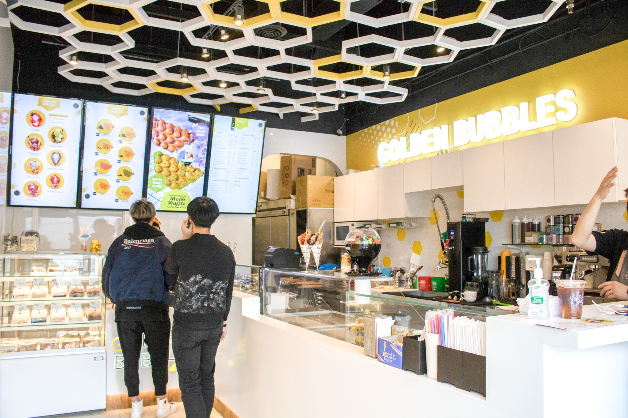 golden bubbles HK waffles ice cream
