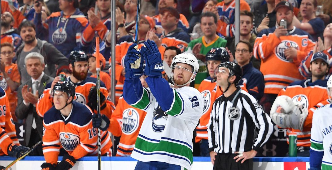 Oilers fans give Sedins standing ovation in their final NHL game (VIDEOS)