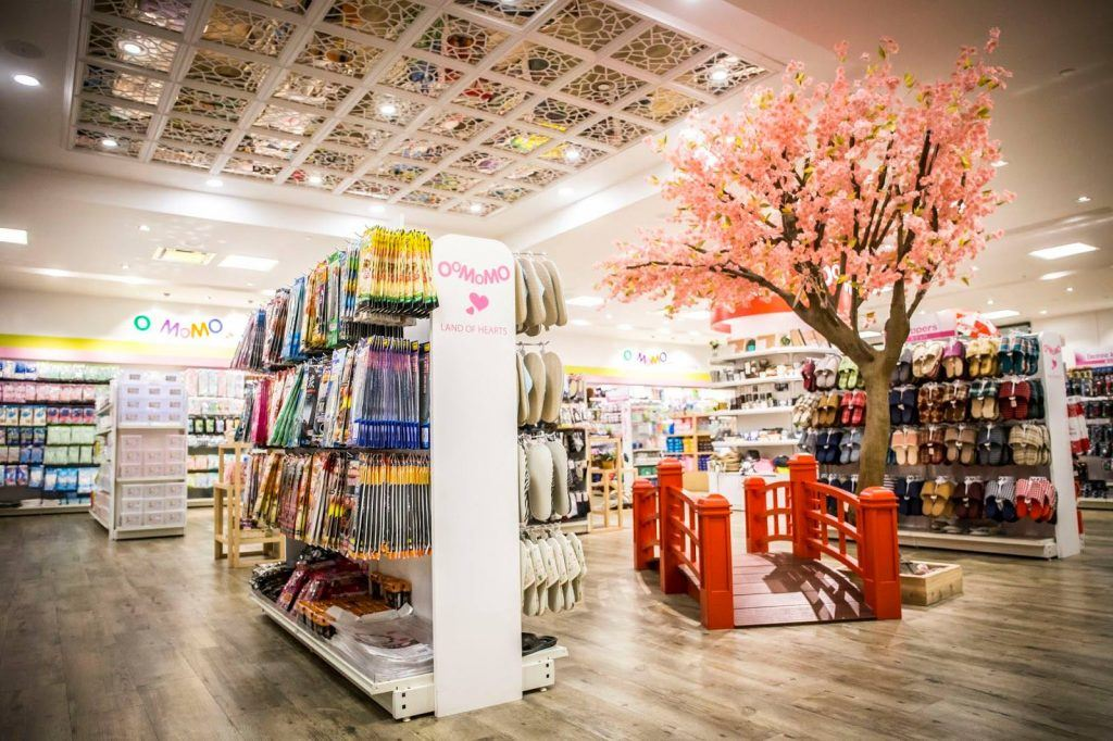 Massive Japanese Dollar Store Opening First Toronto