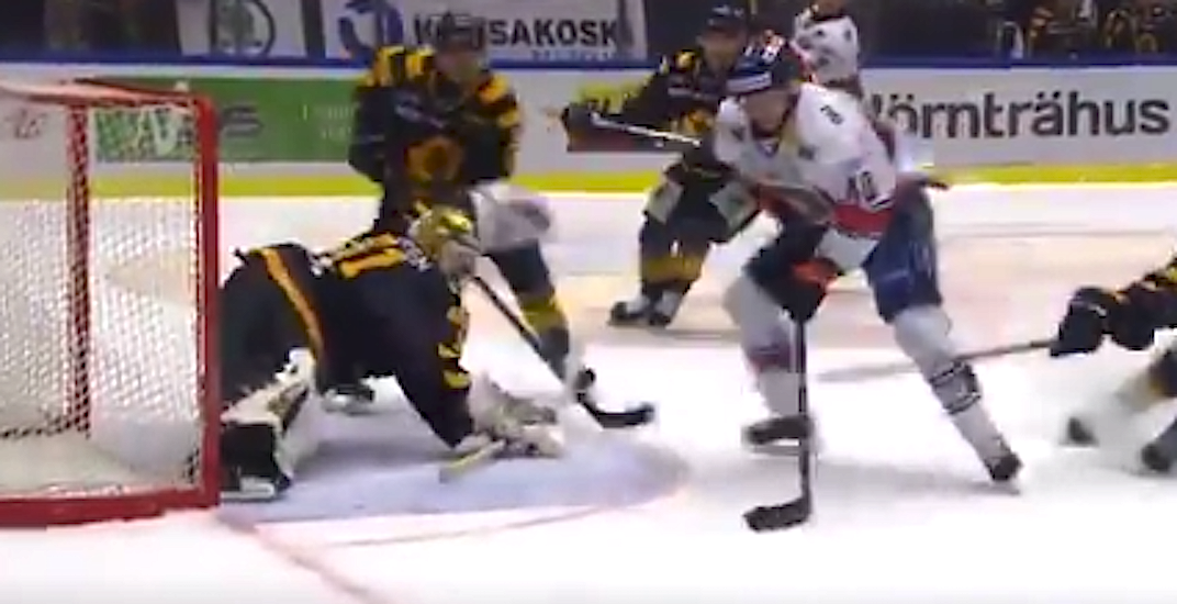 Canucks' Pettersson pulls into the playoff scoring lead in Sweden (VIDEO)