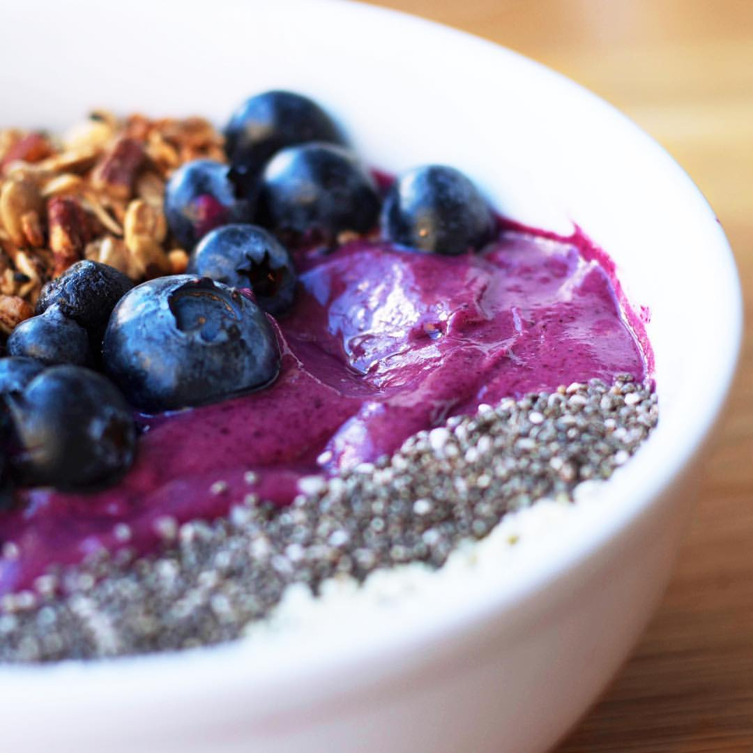 Kupfert & Kim smoothie bowl