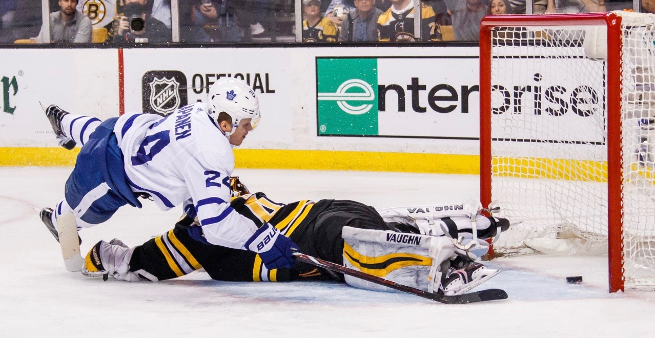 Leafs unable to hold multiple leads, fall 7-4 to Bruins in Game 7
