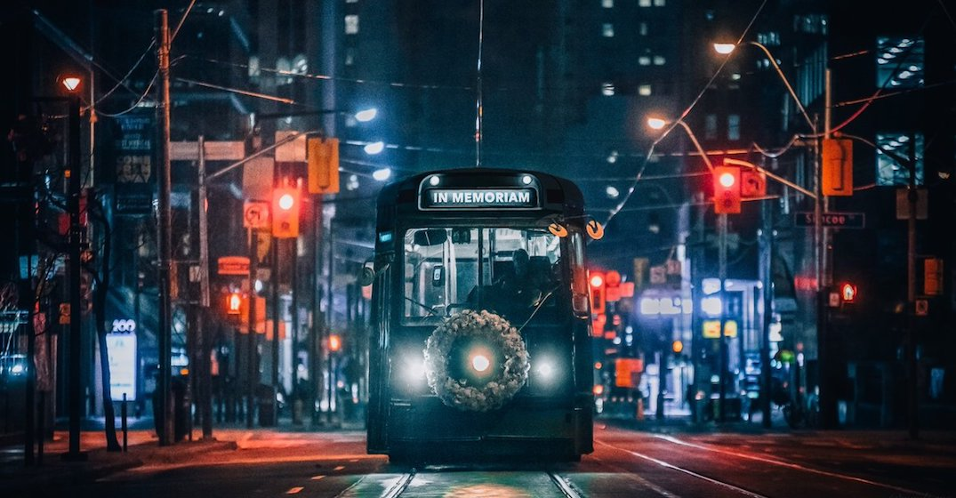 An empty streetcar is running through Toronto for National Day of Mourning (VIDEO)