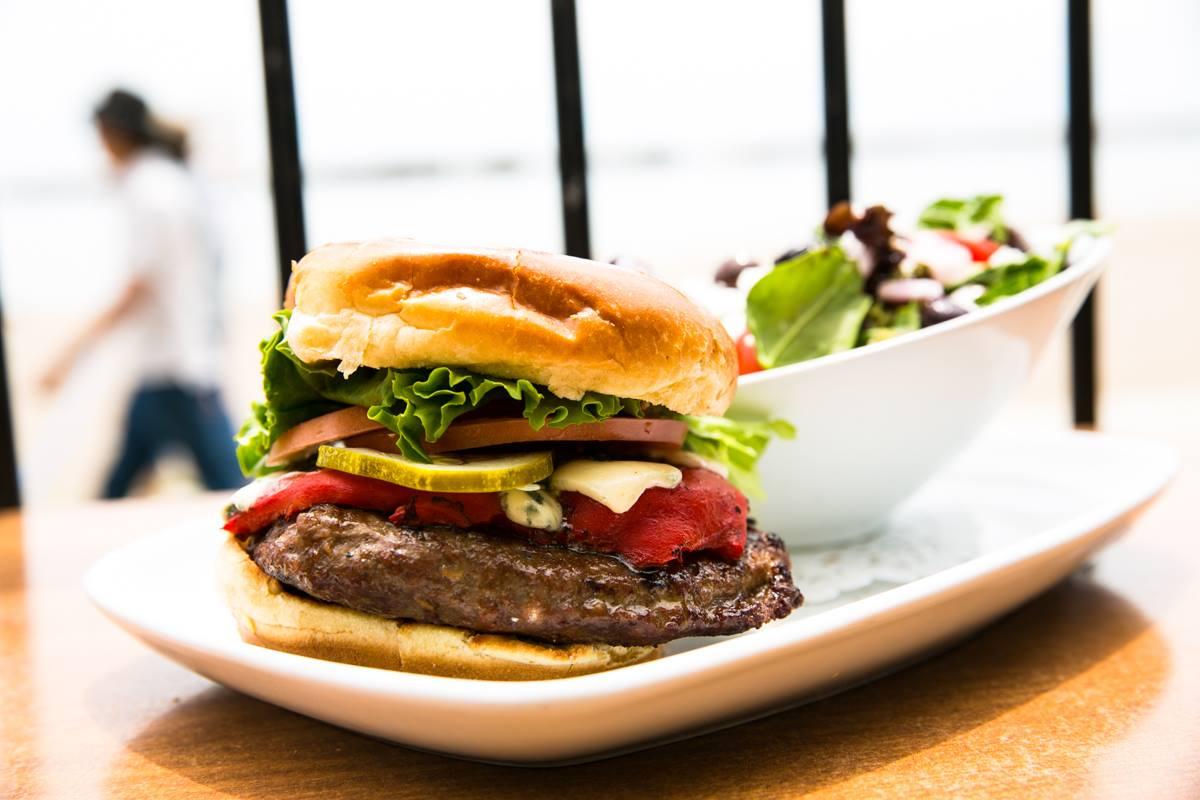 sunnyside toronto patio waterfront burger