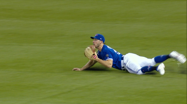 Blue Jays' Grichuk trips and falls before making ridiculous catch (VIDEO)