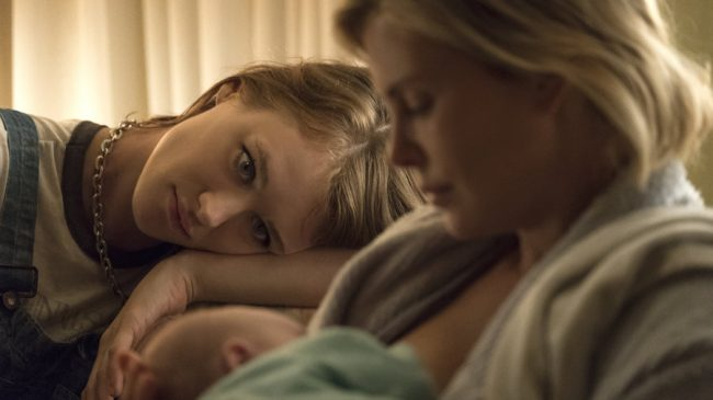 Mackenzie Davis and Charlize Theron in Tully