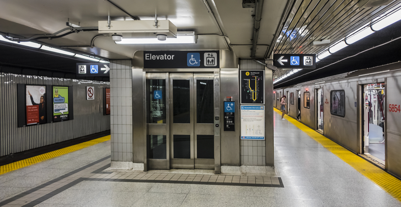 TTC elevator caught reading Dan Brown novel out loud (VIDEO)