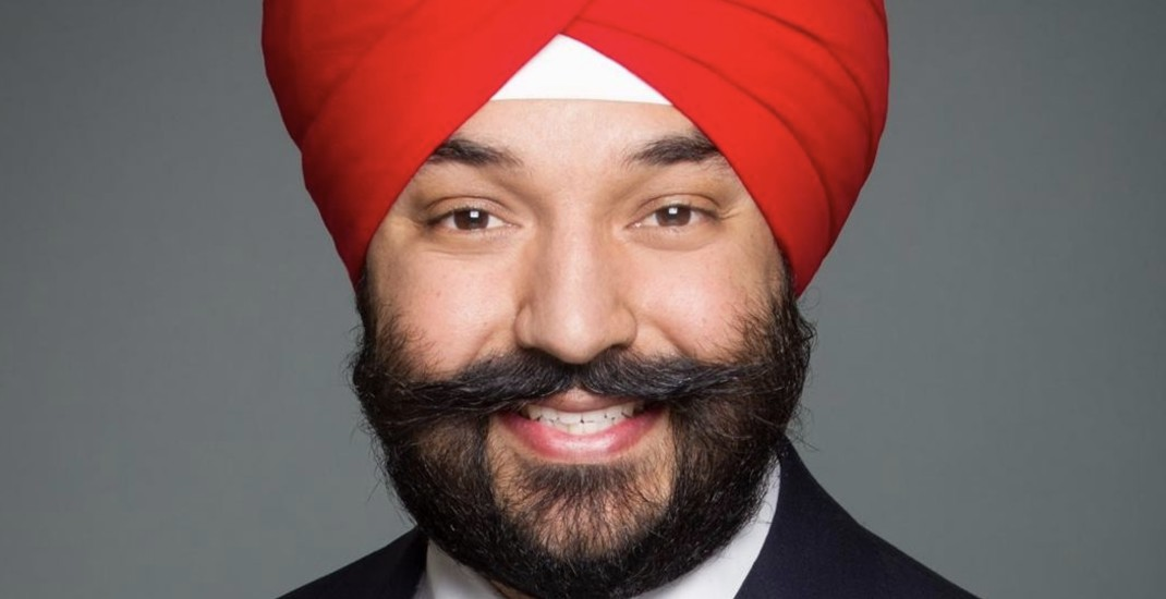 US officials apologize after Canadian Minister asked to remove turban at Detroit airport