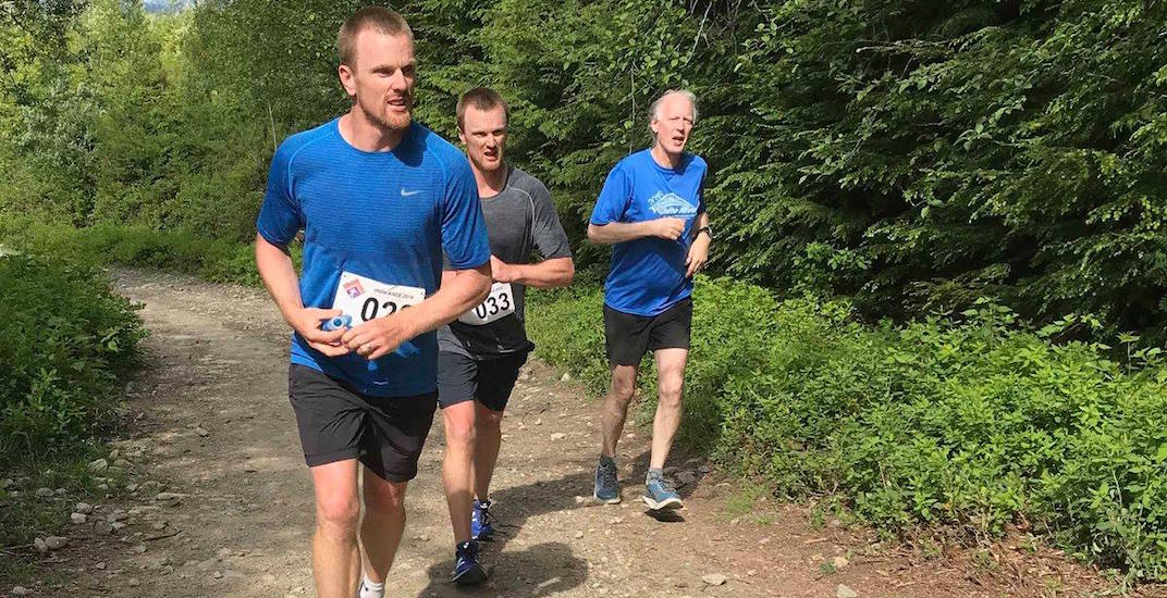 Sedins run 25 km trail race in North Vancouver (PHOTOS)