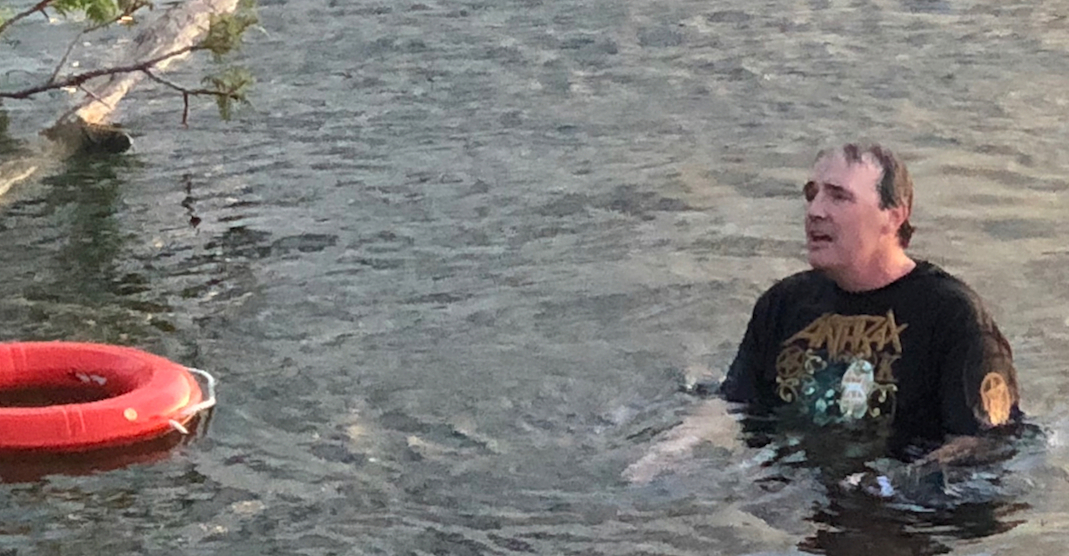 Fan kicked out of Slayer concert in Toronto tried to swim back in (PHOTOS)