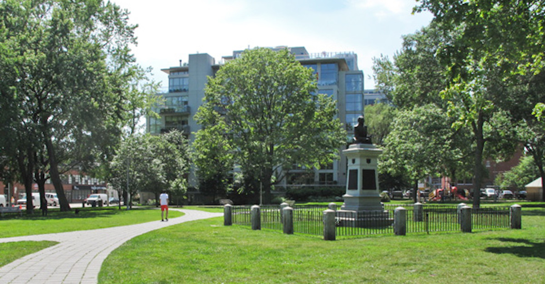 This downtown Toronto park is the oldest cemetery in the city (PHOTOS)