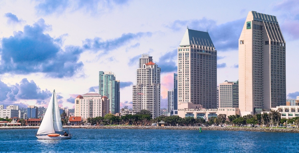 You can fly from Montreal to San Diego for $375 return this fall