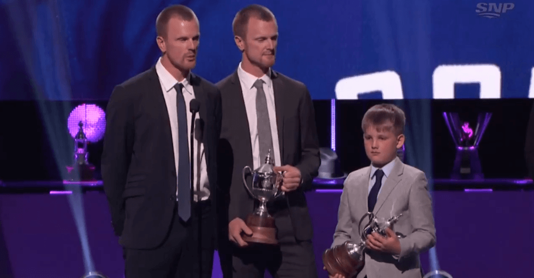 Sedins recognized with King Clancy Trophy at NHL Awards