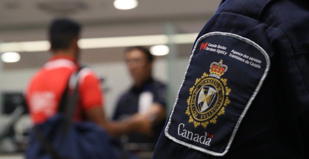 FYI: Canadian border agents have the right to look through your phone
