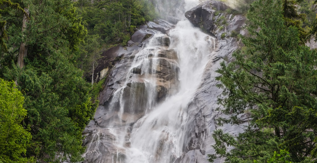Rescue in process for 3 people who fell into Shannon Falls near Squamish