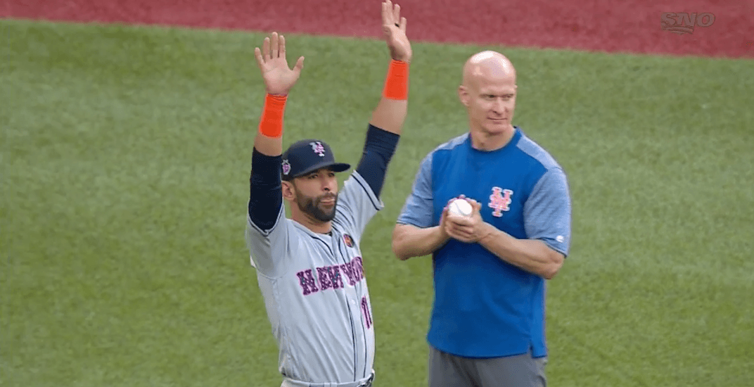 Jose Bautista receives lengthy standing ovation in return to Toronto (VIDEO)