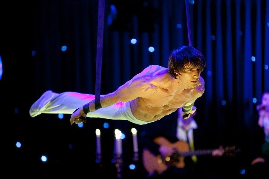 Bacio Rosso Gourmet Cabaret Cirque