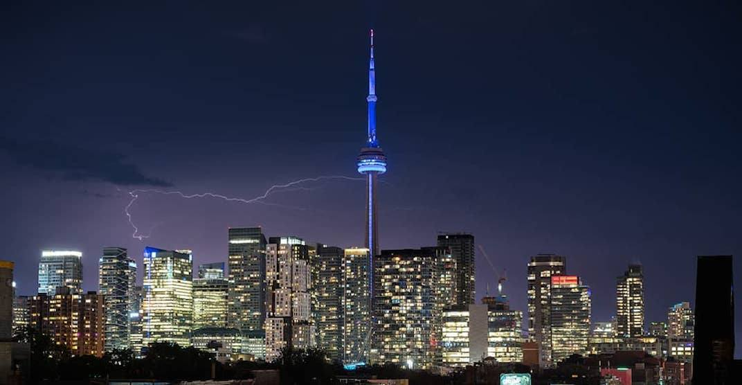 13 epic shots from last night's intense thunderstorm in Toronto (PHOTOS)