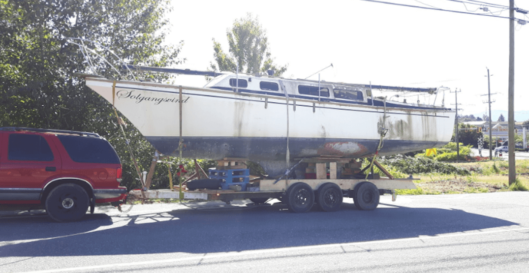 Abbotsford driver caught with brakeless boat trailer and homemade axle (PHOTOS)