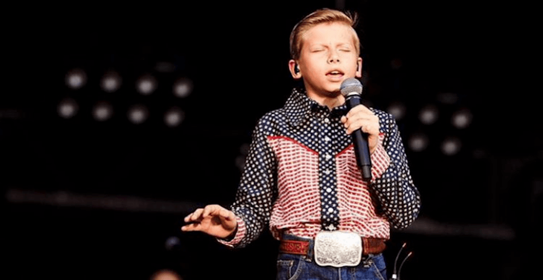 HUGE crowds came out to see the Yodelling Walmart Kid (PHOTOS)