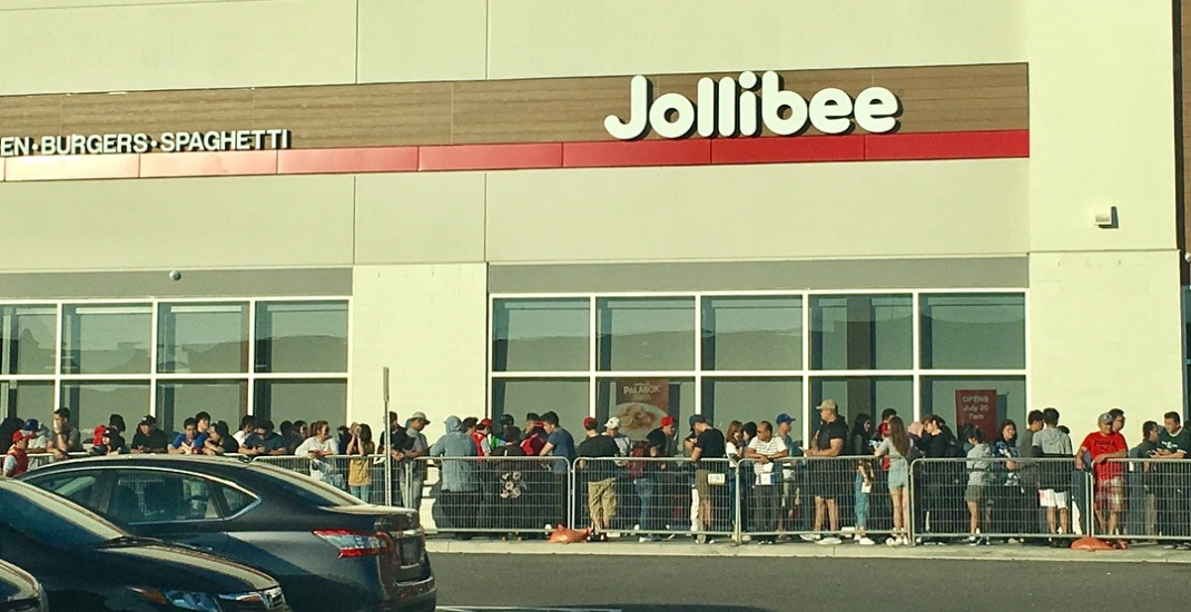 Opening day at Jollibee in Mississauga attracts massive line-ups (PHOTOS)
