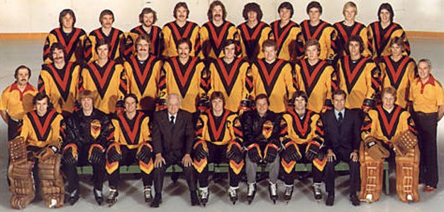 new style f8f52 eb0fb Vancouver Canucks ugly 'Flying V' jerseys turn 40 years old ...